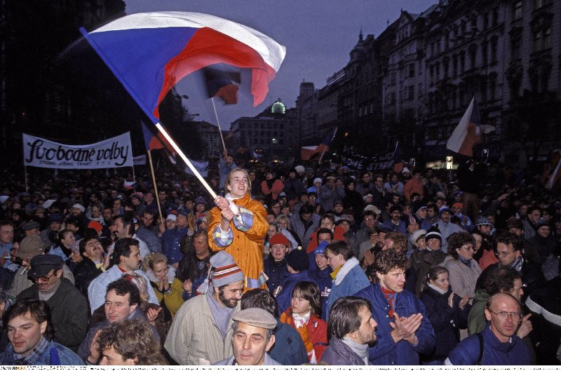 The Velvet Revolution, Prague, Wenceslas Square, 27 November 1989 (Fausto Giaccone/Anzenberger/FORUM)