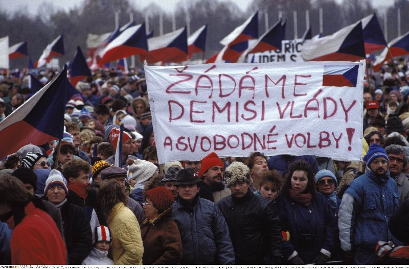 The Velvet Revolution, Prague, November 1989 (Fausto Giaccone/Anzenberger/FORUM)
