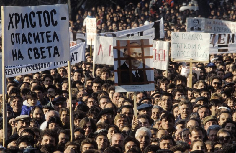 Protests against the General Secretary of the Bulgarian Communist Party Todor Zhivkov, Sofia, 18 November, 1989 (Fausto Giaccone/Anzenberger/FORUM)