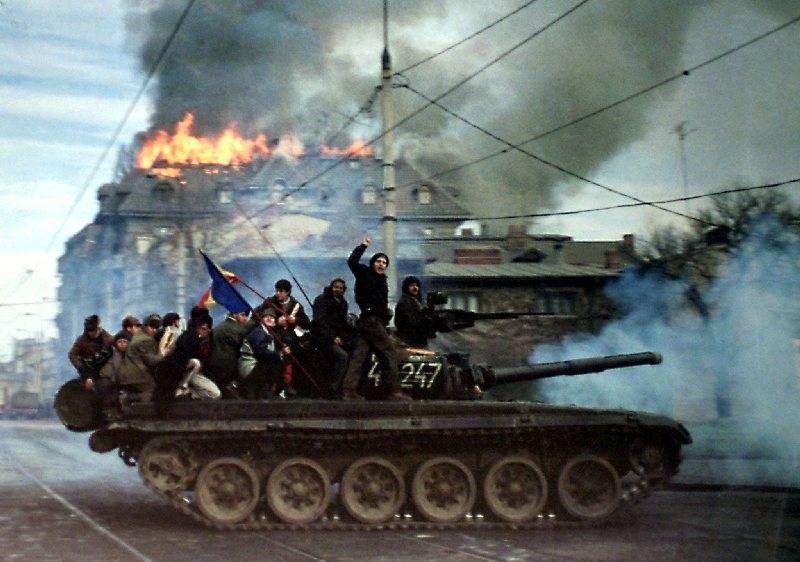 Bucharest, 22 December, 1989 (RaduSigheli/Reuters/FORUM)